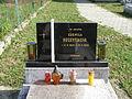 Zemianske Podhradie, hrob Ľudmily Regentíkové, detail.jpg