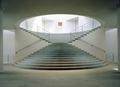 Zentrales Treppenhaus im Kunstmuseum Bonn. Foto Reni Hansen.tif