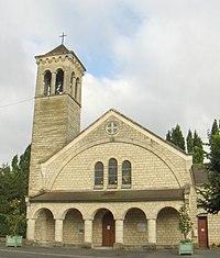 Église ste-thérèse du bois st-denis chantilly.jpg