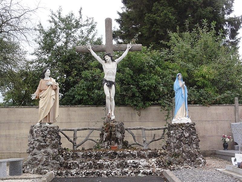 Étaves-et-Bocquiaux (Aisne) calvaire du cimetière