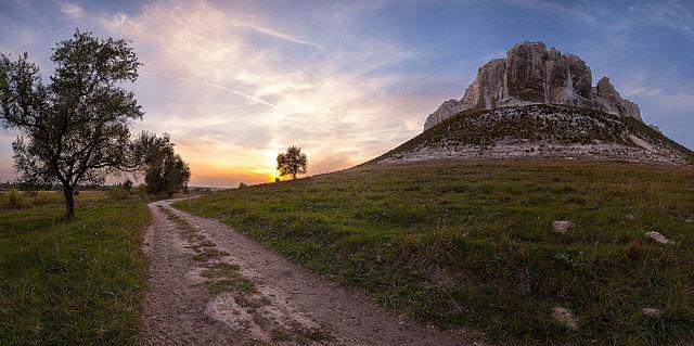 Скелеподібне оголення верхньої крейди (геологічна пам'ятка природи), © Balkhovitin, CC-BY-SA 3.0