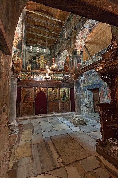 Интерьер церкви Св Стефана Центральная часть