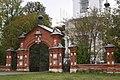 Ограда церкви Рождества Пресвятой Богородицы 3 (Хатунь).jpg