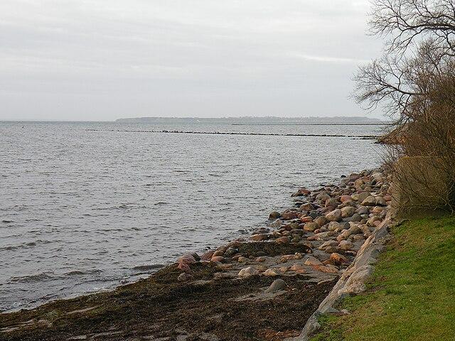 Остров Вэн. Пролив Эресунн. Вид от Ландскруны