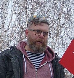 Противник Москвина выступает в сквере 2 марта 2019 года (cropped).jpg