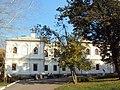Служебные корпуса у Передних ворот - северный жилой дом чиновников 01.JPG