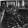 הקונגרס הציוני העשירי בבזל (1911 ) . ישיבת הפתיחה - נשיא ההסתדרות דוד וולפסון נו-PHG-1002781.png
