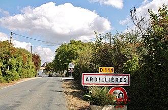 Ardillières - Image: 002 Ardillieres ( 17290 )