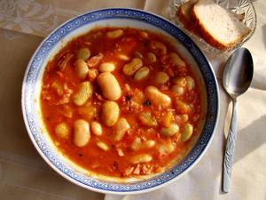 English: Polish bretonne beans with tomatoes