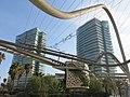 088 Parc de Diagonal Mar, pg. Taulat (Barcelona), al fons els edificis Illa del Mar.jpg