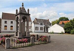 Lens, Belgium - Image: 0 Bauffe Monument aux victimes de la guerre 1914 1918