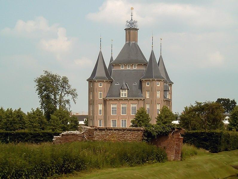 File:2007-06-02 14.55 Houten, kasteel Heemstede.JPG
