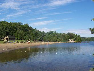 Mont-Orford National Park - Image: 2007 07 Parc du Mont Orford Plage du Lac Stukeley