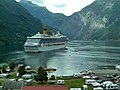 "2010-08-02 - Das ""Boot"" Costa Magica im Geirangerfjord - panoramio.jpg"