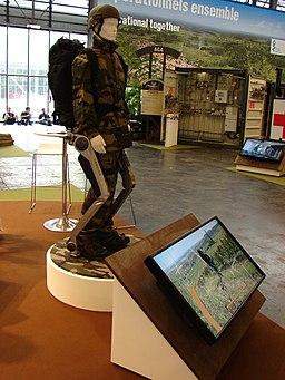 2012 Eurosatory Exosquelette motorisé Hercule