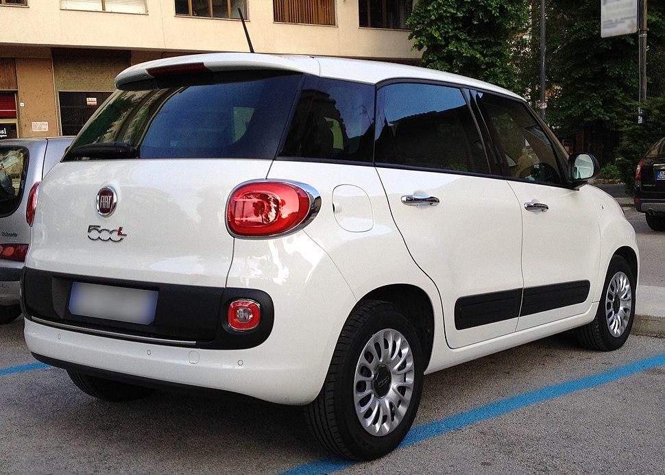 Fiat 500L - Howling Pixel