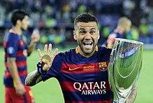 220px 2015 UEFA Super Cup 107 Le palmares et tous les buts de Dani Alves   est il le meilleur arrière droit