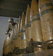 428 Battery setting 8 inch shell fuzes WWII IWM TR 564
