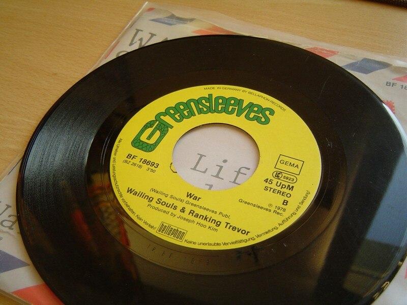 "45 rpm disk ""War"" by Wailing Souls & Rankin Trevor 1978"