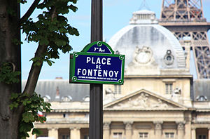Place de Fontenoy - A street plate, reminding of the victory of Maréchal Maurice de Saxe in the Battle of Fontenoy (click to enlarge the inscription)