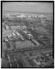 AERIAL VIEW NORTHEAST ALONG THE DELAWARE AVENUE CORRIDOR FROM FORT MCNAIR. - Delaware Avenue, Washington, District of Columbia, DC HABS DC,WASH,592-1.tif