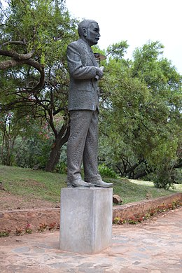 A figure of former prime minister James Barry Hertzog was moved to a new spot and replaced with a giant bronze-plated Nelson Mandela statue at the Union Buildings in Pretoria 031.JPG