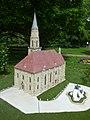 A kolozsvári Szent Mihály-templom makettje a szarvasi Mini Magyarország gyűjteményében.jpg