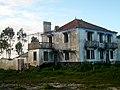 Abandoned farm in Gafanha da Boa Hora, Portugal (46516519604).jpg
