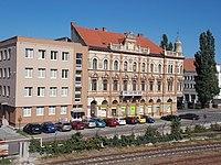 Adóhivatal és hotel. - Szlovákia, Nyitrai kerület, Komárom, Duna rakpart.JPG