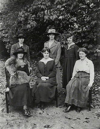 A. E. Levett - Staff of St Hilda's College, Oxford, including Elizabeth Levett, October 1919