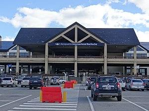 San Carlos de Bariloche Airport - Image: Aeropuerto Internacional Teniente Luis Candelaria (Bariloche)