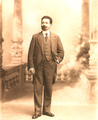 Afonso Costa posando na Foto Vasques (1914).png