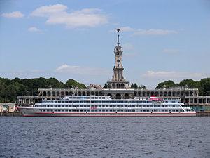 Aleksandr Pushkin in North River Port 20-jun-2012 02.JPG