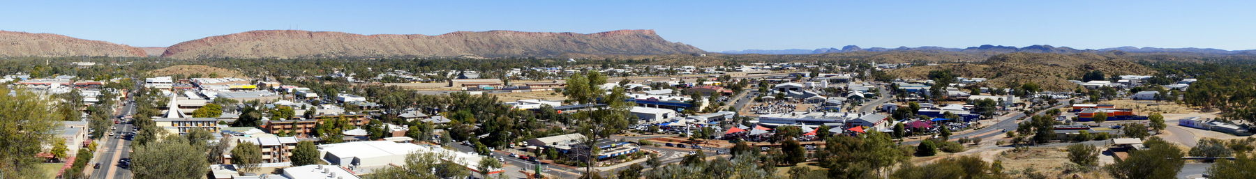 Alice Springs banner Township and MacDonnell Ranges.jpg