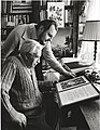 Alois Volkman a Jaroslav Seifert nad Nobelovou cenou.jpg