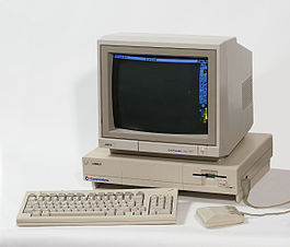 Commodore Amiga 1000 con Deluxe Paint