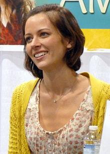 Amy Acker nel 2012