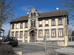 Ancienne école de Bénestroff.jpg