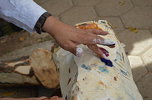 Handcrafts and folk art in Oaxaca - Jacobo Angeles demonstrates the making of paints with natural pigments in his workshop in San Martín Tilcajete