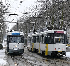 Antwerp trams 4 and 24 at Amerikalei.jpg
