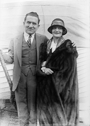 Archibald Selwyn - Selwyn and his wife, 1920s