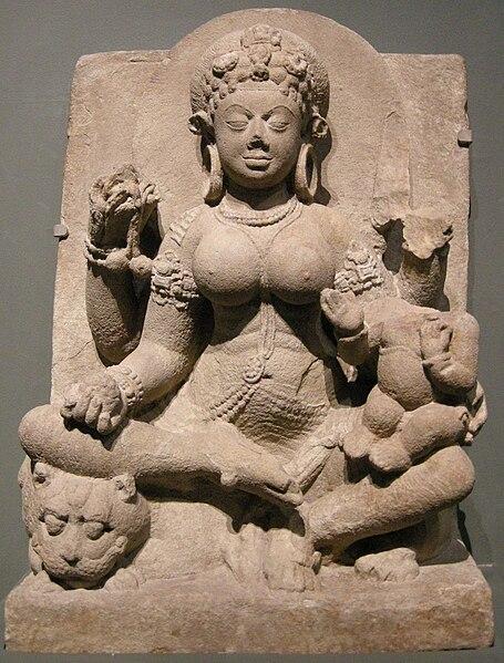 File:Arte indiana da bihar, dea ambika, VI VII sec.JPG