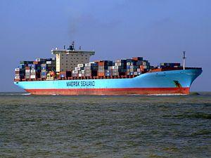 Arthur Maersk pic02 approaching Port of Rotterdam, Holland 08-Mar-2007.jpg