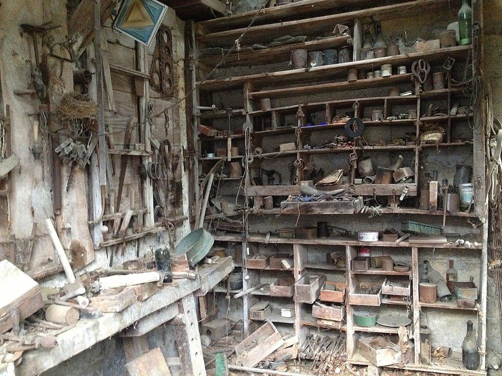 File atelier de la maison de delorme 2 jpg wikimedia - Delorme linge de maison soldes ...