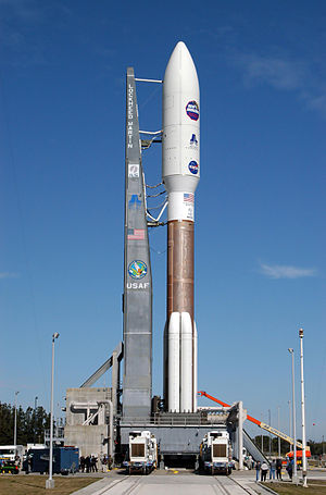 Atlas V 551 with New Horizons on Launch Pad 41.jpg