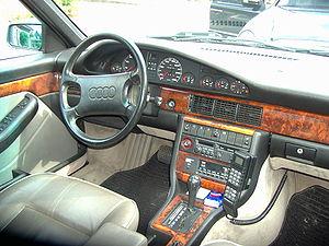 Audi V8 - Audi V8 interior