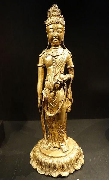 File:Avalokiteshvara (Guanyin), China, c. 1220-1300 AD, gilded bronze - Östasiatiska museet, Stockholm - DSC09614.JPG