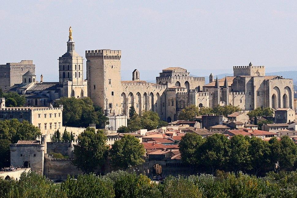 Avignon, Palais des Papes depuis Tour Philippe le Bel by JM Rosier (cropped)