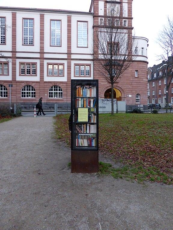 Datei:Bücherschrank Köln Nippes, Blücherstraße.jpg – Wikipedia