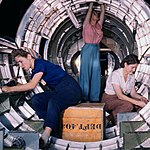 B17F - Woman workers at the Douglas Aircraft Company plant, Long Beach, Calif (cropped).jpg